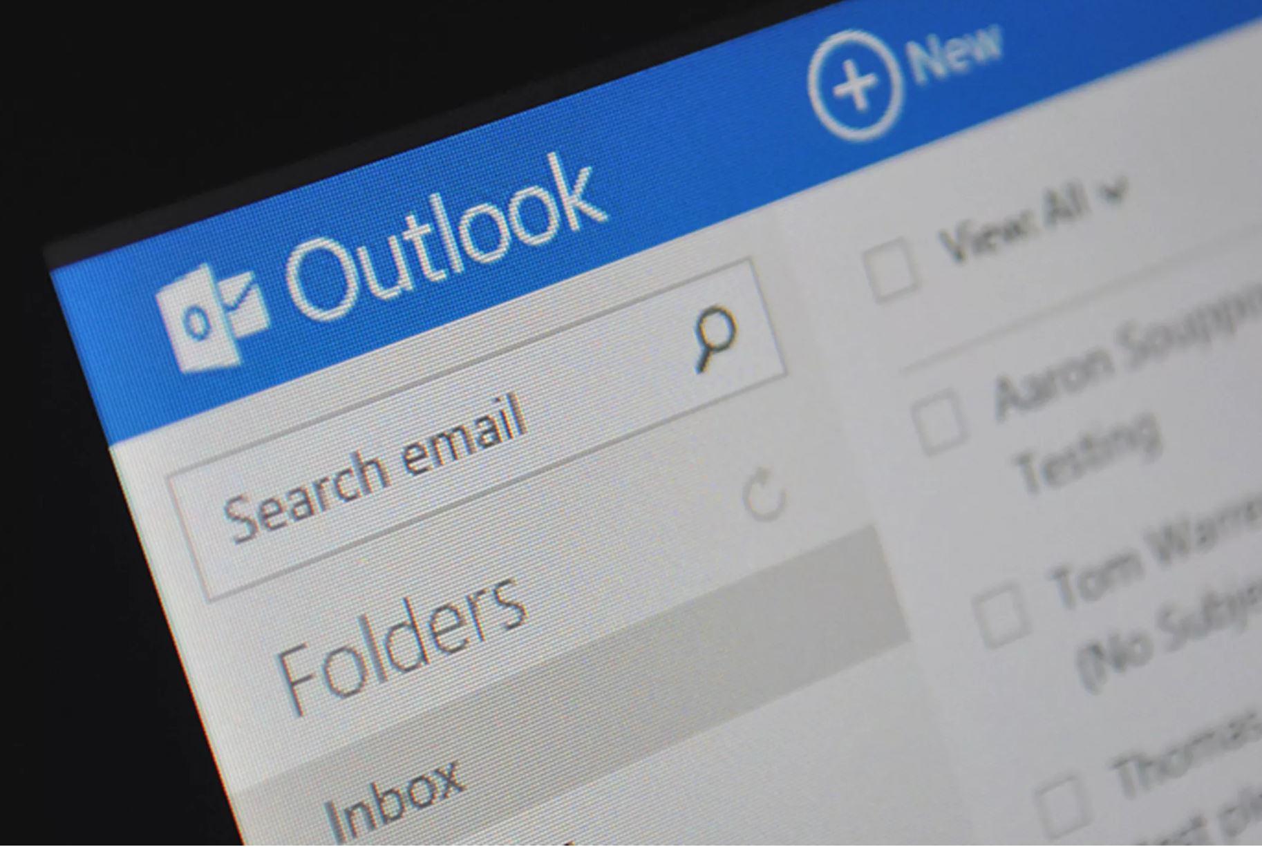دسترسی مایکروسافت به هک شدن حساب های Outlook